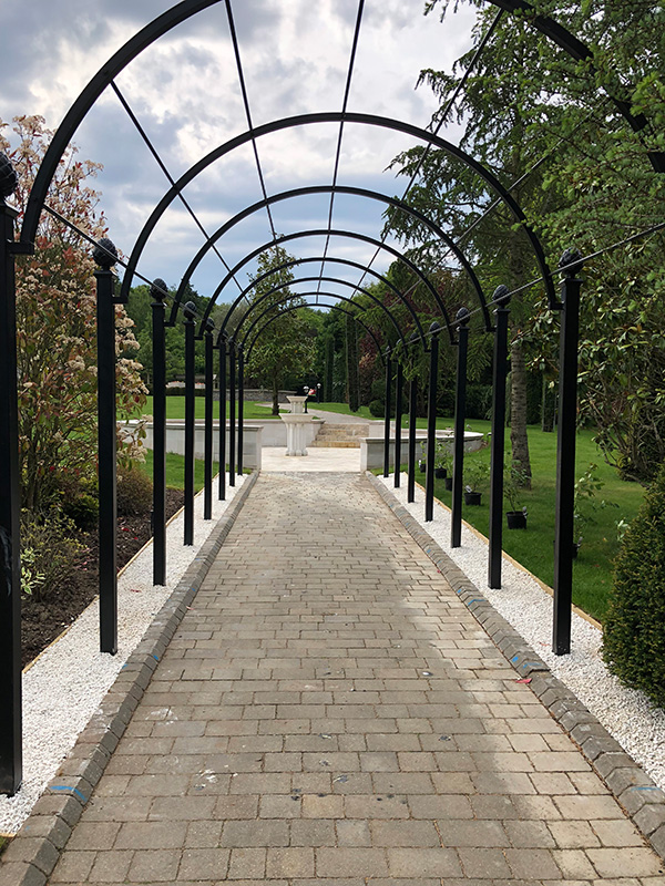 Garden-Archway-Metal.-St-Albans-Walkway.-A-Rose-Pergola-by-Classic-Garden-Elements.-Hot-dip-galvanised.-Best-quality.-10-years-guarantee-on-rust.-Bespoke-items-made-photo-5