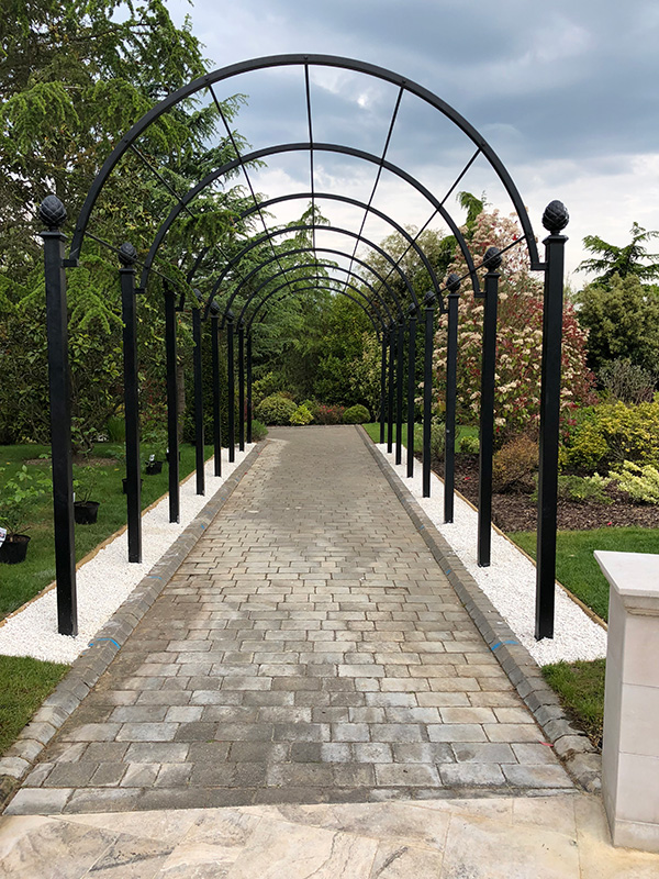 Garden-Archway-Metal.-St-Albans-Walkway.-A-Rose-Pergola-by-Classic-Garden-Elements.-Hot-dip-galvanised.-Best-quality.-10-years-guarantee-on-rust.-Bespoke-items-made-photo-7