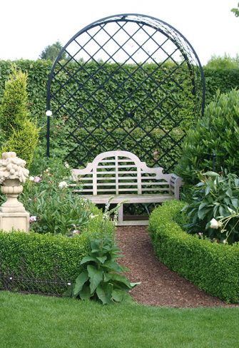 Villandry rose arbour with bench