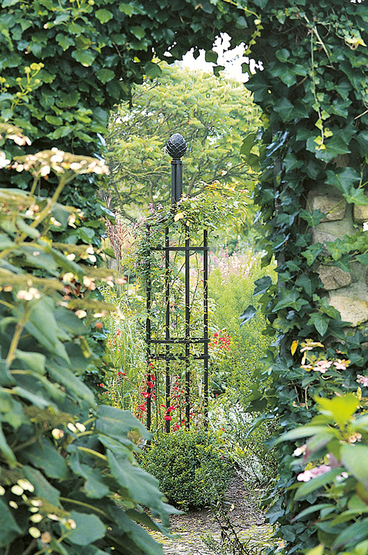 obelisk for climbing plants