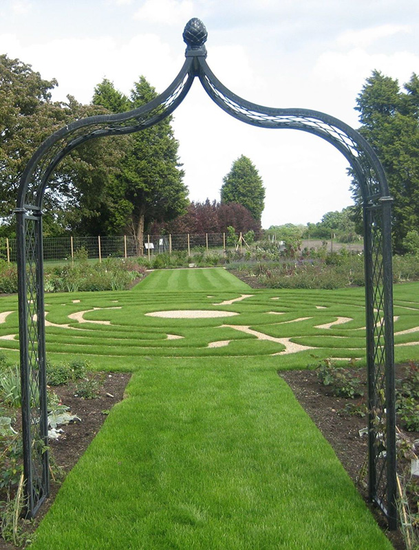 freestanding Victorian Rose Arch Brighton without planters