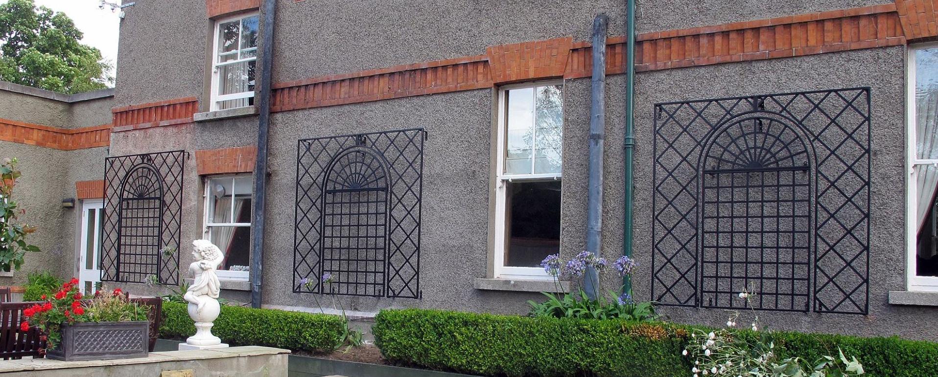treillage wall trellis classic garden elements uk. Black Bedroom Furniture Sets. Home Design Ideas