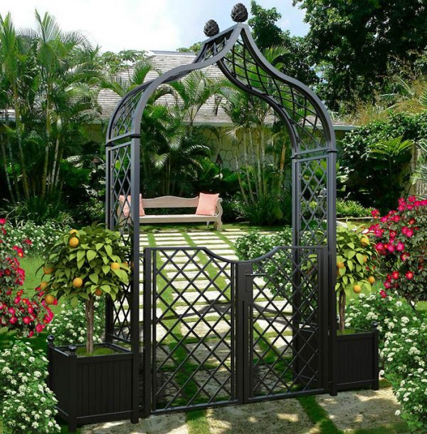 The Metal Garden Arch 'Brighton' with garden gate and versailles planters