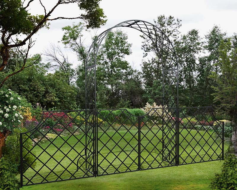 Round Top Garden Arch 'Bagatelle' with garden gate and side panels
