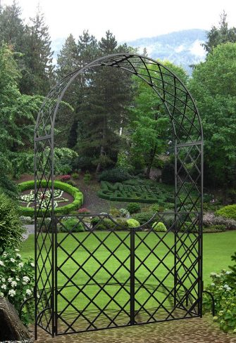 Round Top Garden Arch 'Bagatelle' with garden gate