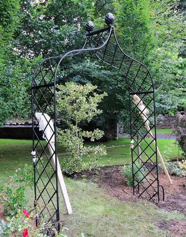 Installing a Kiftsgate Victorian Rose Arch