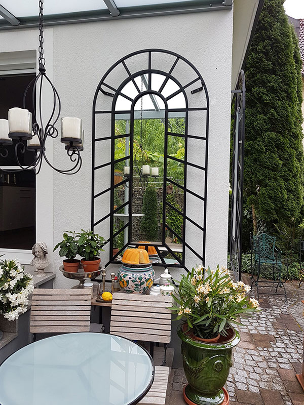 Small Trompe-l'œil Wall Trellis with Mirror