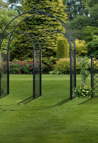 R5-WA-P Triple Wedding Arch with High Fence Panels