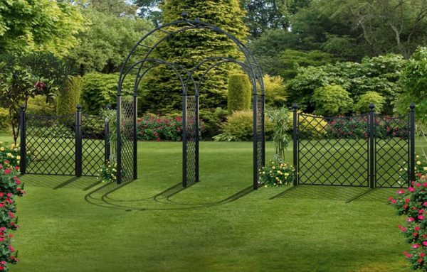 R5-WA-P Triple Wedding Arch with High Fence Panels