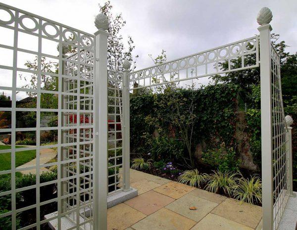 The Trianon Rose Treillage Set showing details
