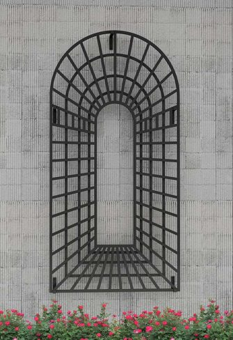 Perspective Trellis Panels Center