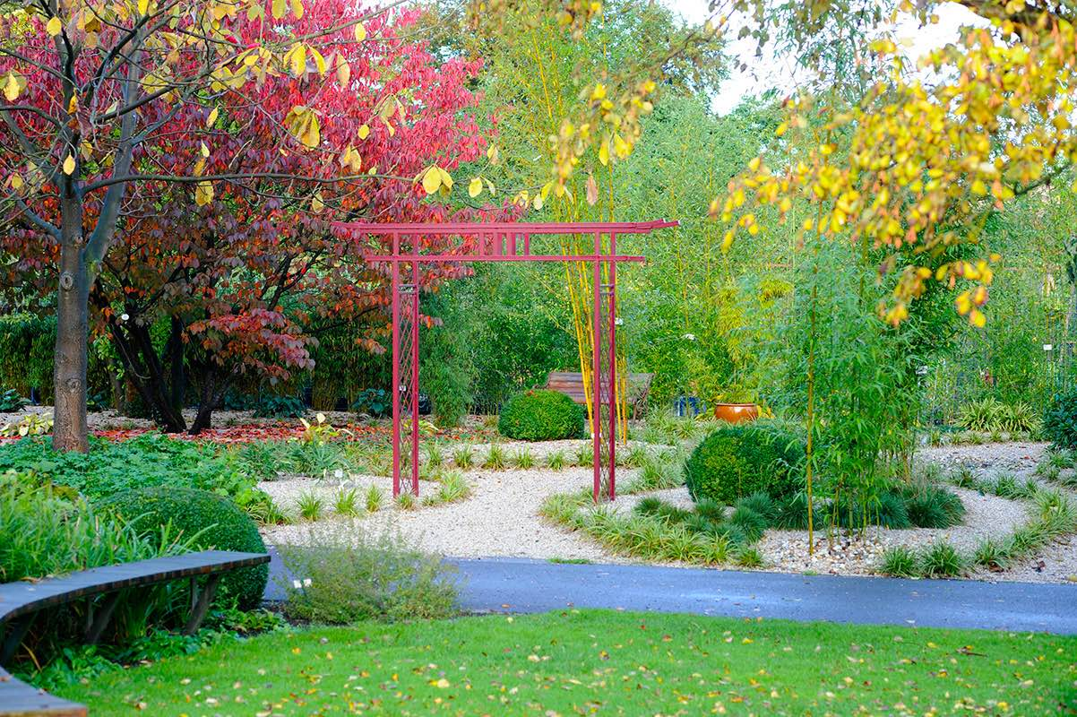 Red Japanese Gate for the Garden in Metal