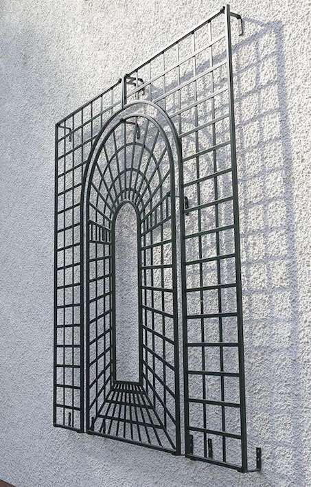 Houghton Perspective Garden Trellis