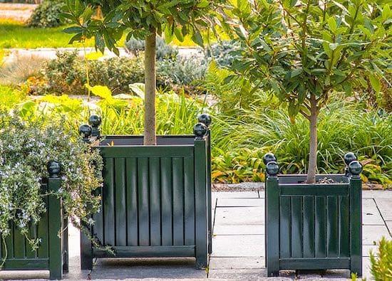 Metal-Garden-Planters-Caisse-de-Versailles-Planters-Metal-Trellis-Planters-1